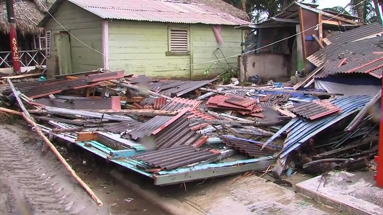 Oxfam afirma gobierno ayudó al 21 % de los afectados por Irma y María