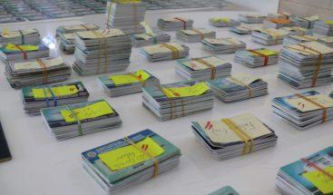 Migración decomisa más de 1 mil 400 carnés del PNRE y otros documentos