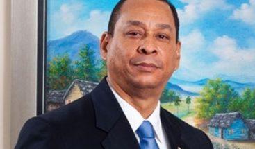 Presidente Medina confirma a superintendente e intendente de Bancos