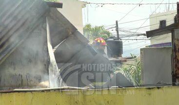 Evacúan pacientes del hospital Juan 23 en Santiago tras fuego en cocina