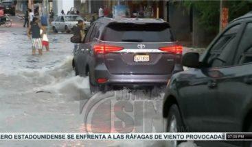 Inundaciones urbanas en varios puntos de la capital