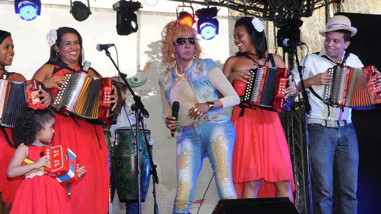 Fefita La Grande y otros artistas ofrecerán conciertos en Plaza España