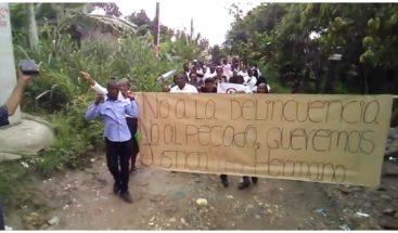 Moradores de Manoguayabo exigen justicia por muerte de miembro ERD
