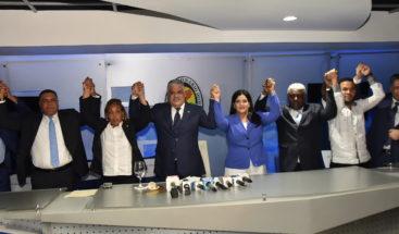 PRD juramenta ex legisladores y dirigentes del PRM y la UDC