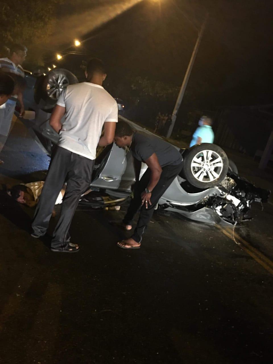 Un muerto y dos heridos durante accidente de tránsito en Moca