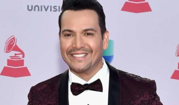 Víctor Manuel anuncia su 1er disco de canciones originales en una década