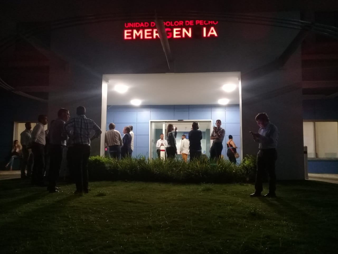 Personalidades visitan a Fernandito Rainieri en Cedimat