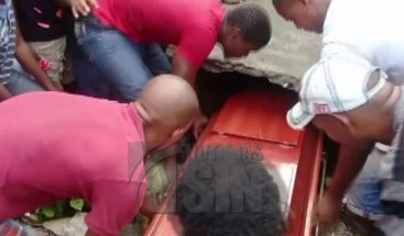 Sepultan restos de adolescentes atropellados por una patana en Haina