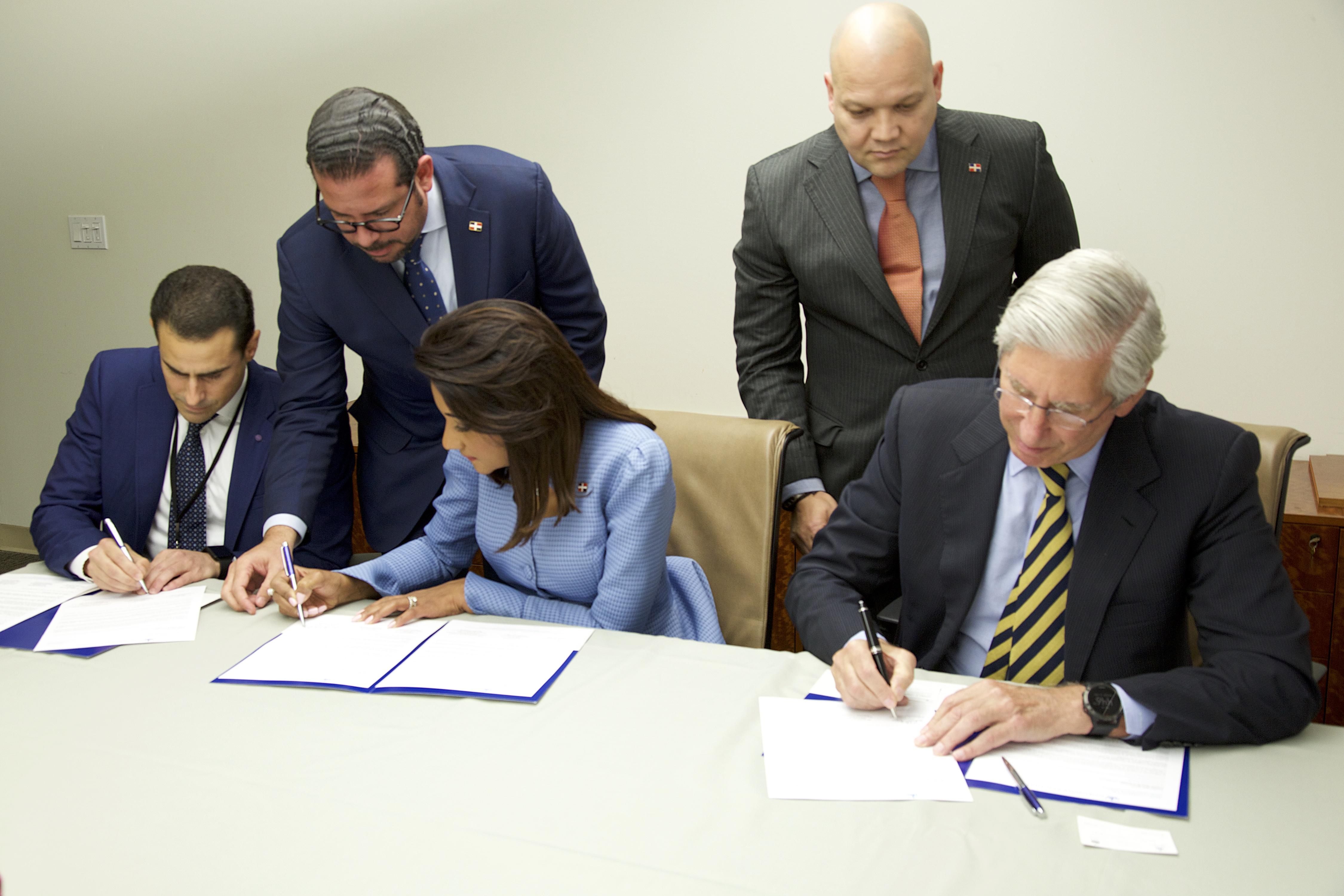 Universidad de Columbia apoyará al CAID con asistencia técnica