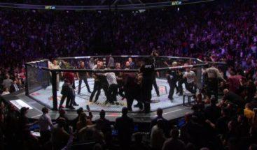 Fanático ataca a Conor Mcgregor tras acabar combate