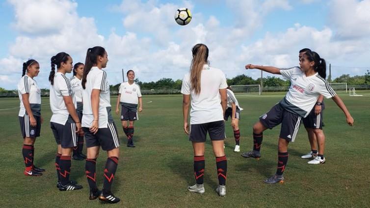 FIFA lanza la primera estrategia global para el fútbol femenino