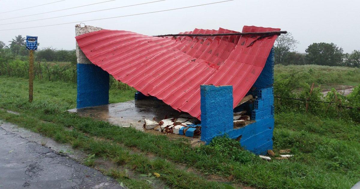 Michael se aleja de Cuba, dejó daños infraestructura y sistema eléctrico
