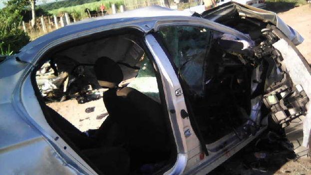 Cuatro muertos y un herido grave al chocar camión contra auto en Cuba