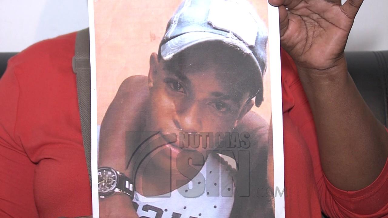 Familiares piden ayuda para encontrar joven desaparecido
