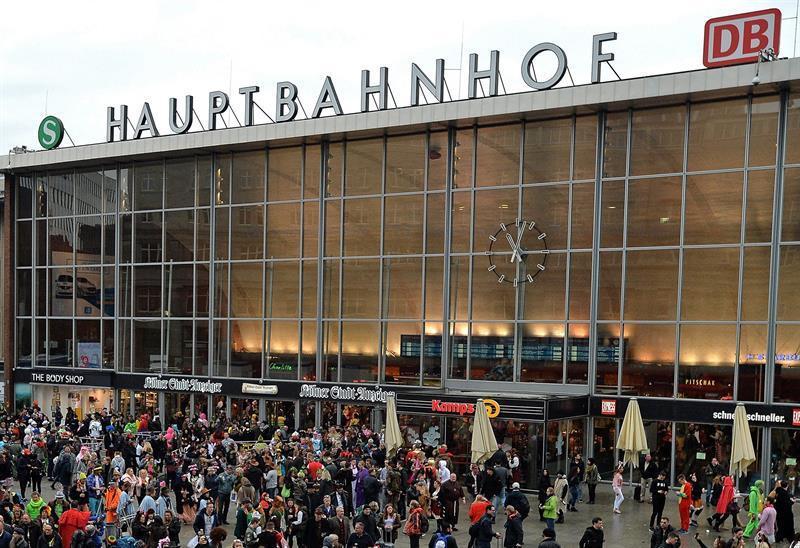 Acaba toma de rehenes en estación de trenes en Colonia, Alemania