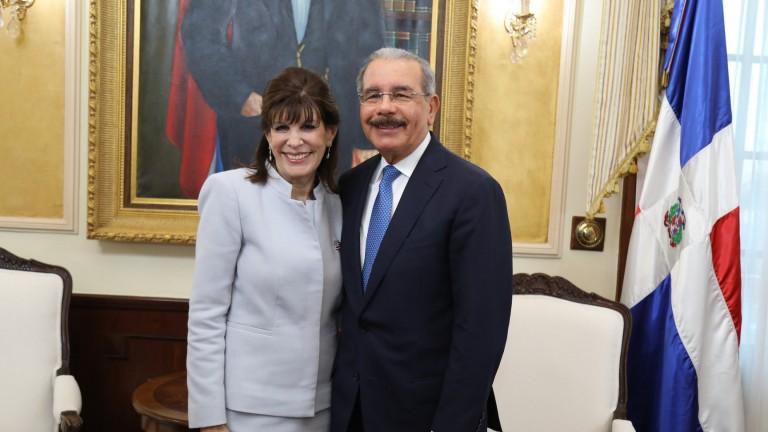 Embajadora de EEUU en RD realiza visita al presidente Danilo Medina