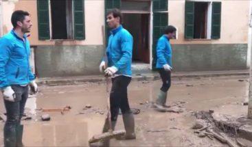 Rafa Nadal, un voluntario más en la limpieza de Sant Llorenç