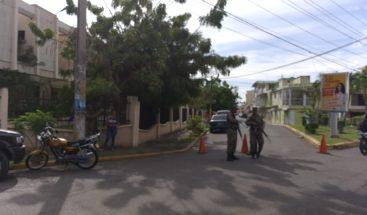 Cierran calle para prevenir manifestaciones contra Marlon y Marlin