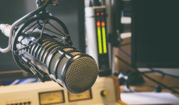 Suspenden comunicadora por lenguaje vulgar en los medios de comunicación