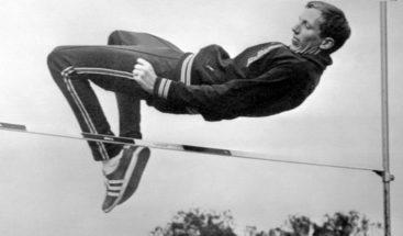Dick Fosbury, el adelantado que venció la fuerza de la gravedad
