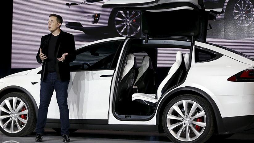 Nueva actualización del 'software' de los autos Tesla