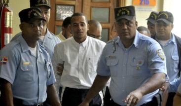 Condenan a un año de prisión a Yimi Zapata por uso de documentos falsos