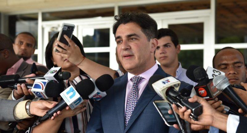 Debatirán posible repostulación de Danilo M. sin modificar constitución