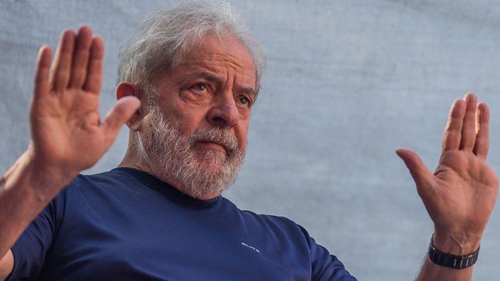 Lula pasa primer cumpleaños en la cárcel; pide como regalo votos por PT