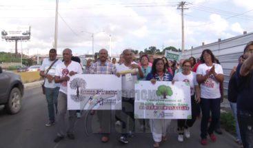 Residentes SDE realizan una protesta en contra de terminal de autobús