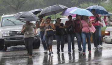 COE eleva a 17 provincias en alerta verde por vaguada