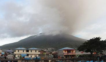 Indonesia: Se registra una segunda erupción de un volcán el mismo día