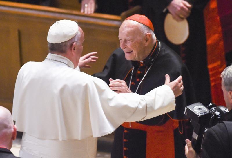 El papa ordena ampliar investigación sobre abusos excardenal McCarrick