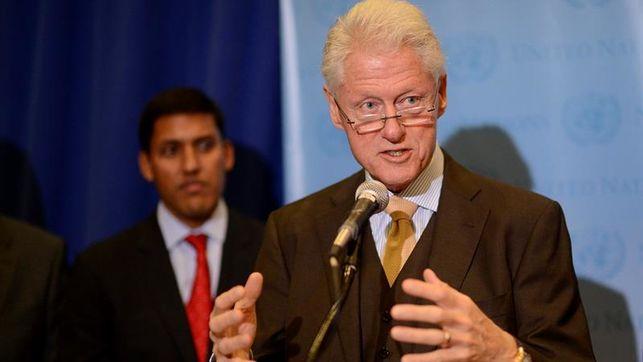 Bill Clinton pide a países del Caribe que renueven su sector turístico