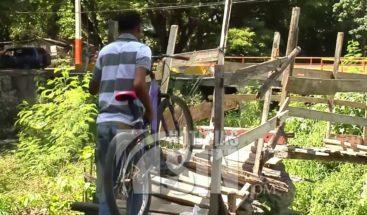 Residentes en El Cocal de Santiago reclaman construcción de un puente