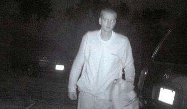 Piden ayuda para identificar sospechoso (internautas reconocen a Eminem)