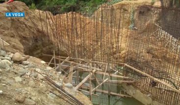 Cinco comunidades incomunicadas por falta puente El Caimito en La Vega
