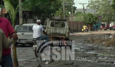 Residentes en Manoguayabo protestan exigiendo arreglo de calles
