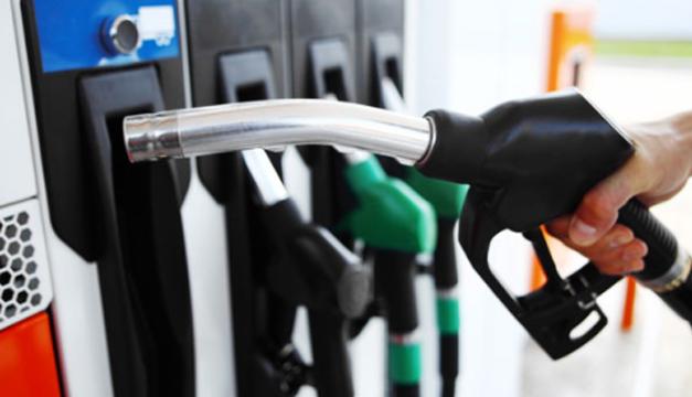 Gasolinas y gasoil bajan entre RD$3.00 a RD$5.60; GLP baja RD$2.00