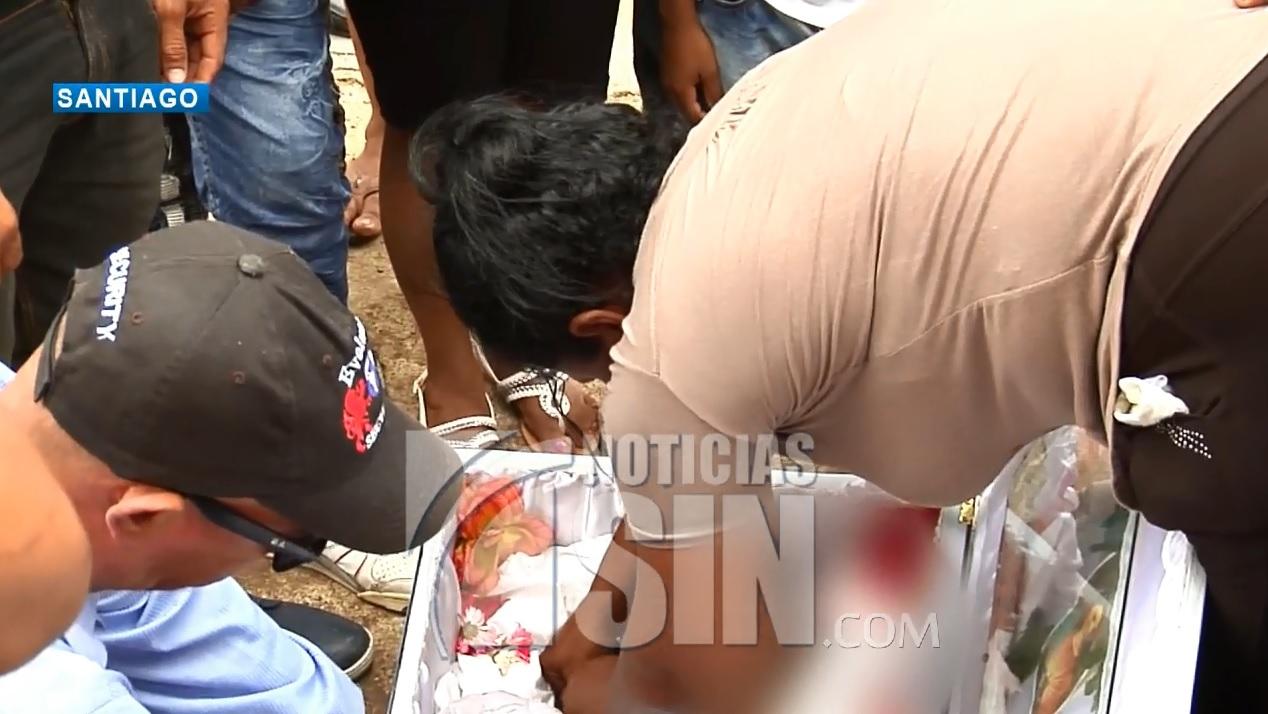 Sepultan niña que murió atropellada por motociclista en Santiago