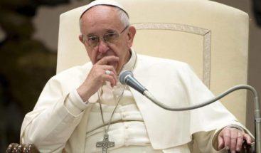 El papa expulsa del sacerdocio a exobispos chilenos Cox y Órdenes