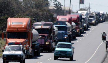 Paralizaciones del transporte de carga afectan economía del país