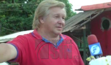Vendedor paraguayo aumenta popularidad por su parecido a Donald Trump