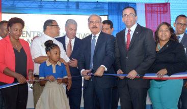 Presidente Medina entrega centro educativo en Guanuma