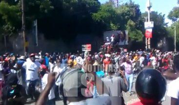 Autoridades mantienen vigilancia en la frontera por disturbios en Haití