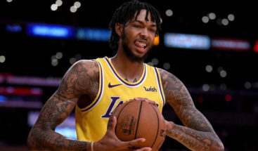 LeBron James se rinde a Brandon Ingram