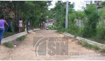 Protestan por arreglo de calles en SDN