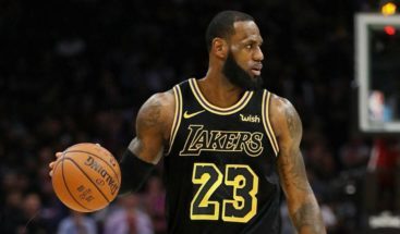 123-113. James y los jóvenes Lakers pueden con los Warriors sin Green