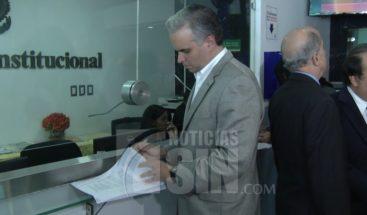 Partidos opositores depositan en el TC recurso contra ley de partidos