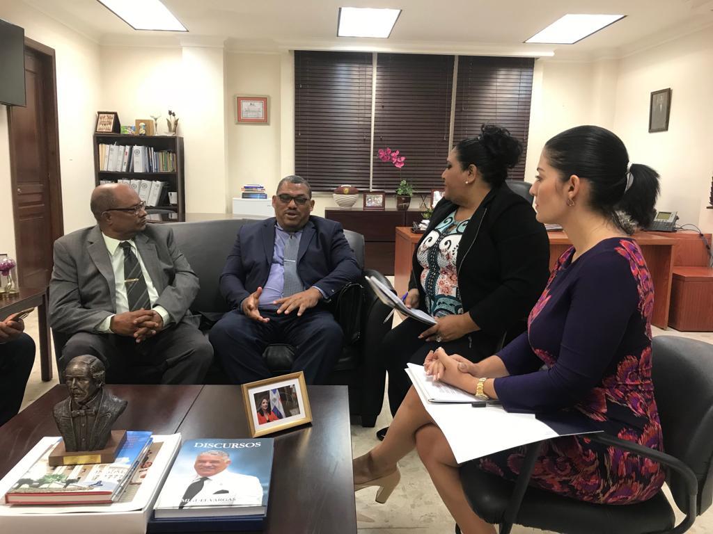 Cancillería ayudará pescadores dominicanos detenidos en las Bahamas