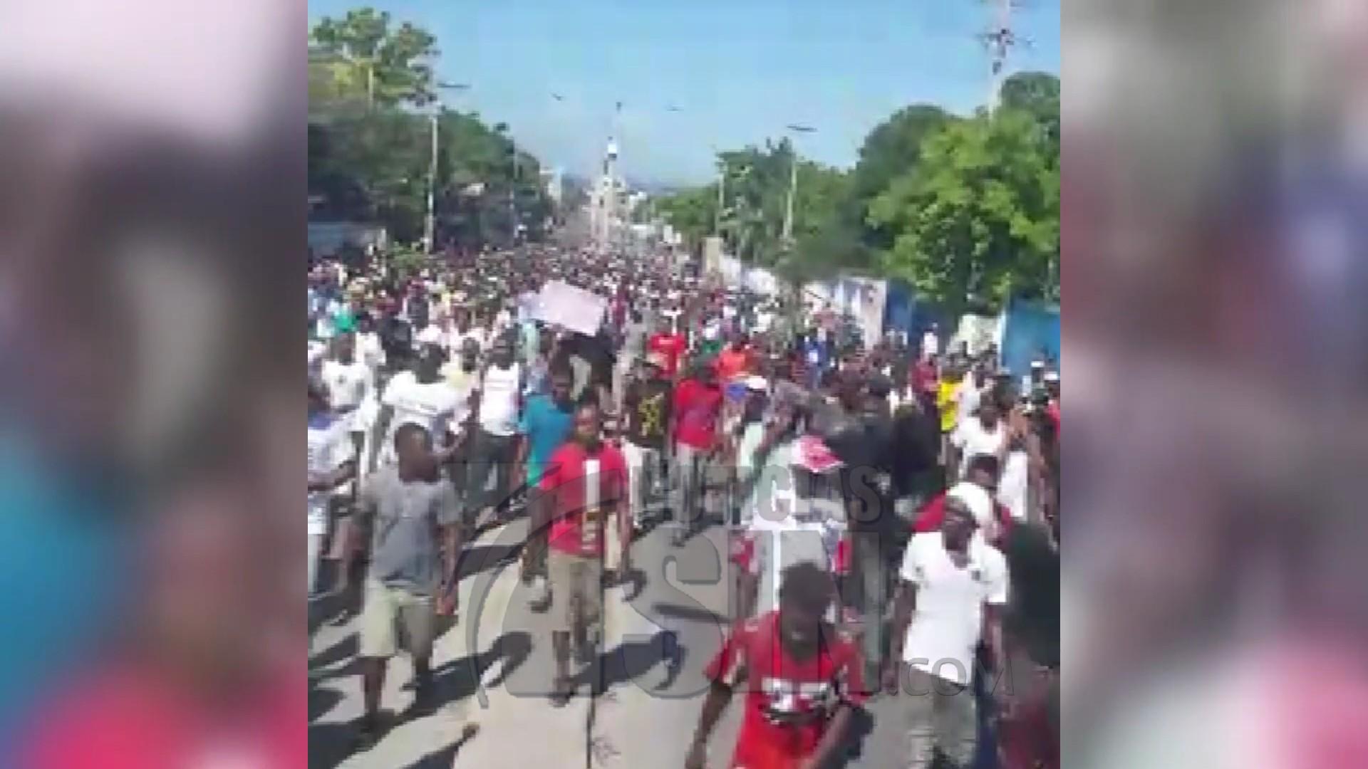 Presidente de Haití sale ileso tras intentos de agresión en protestas